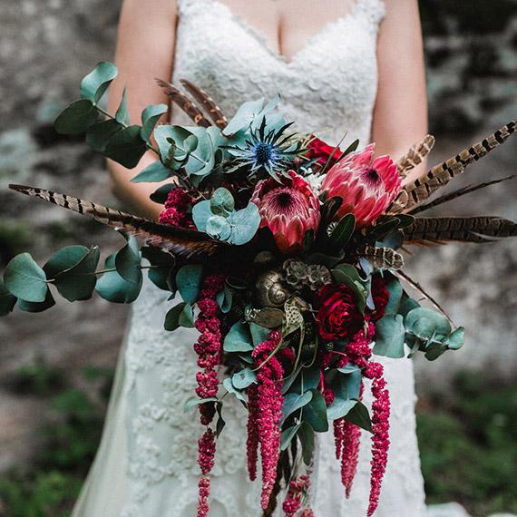 Brautstrauß in dunkelrot